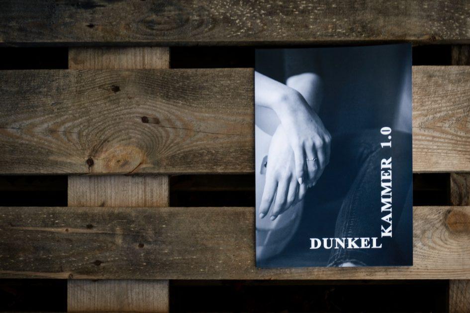 Titel - Dunkelkammer 1.0 - Ivo Hüttmann