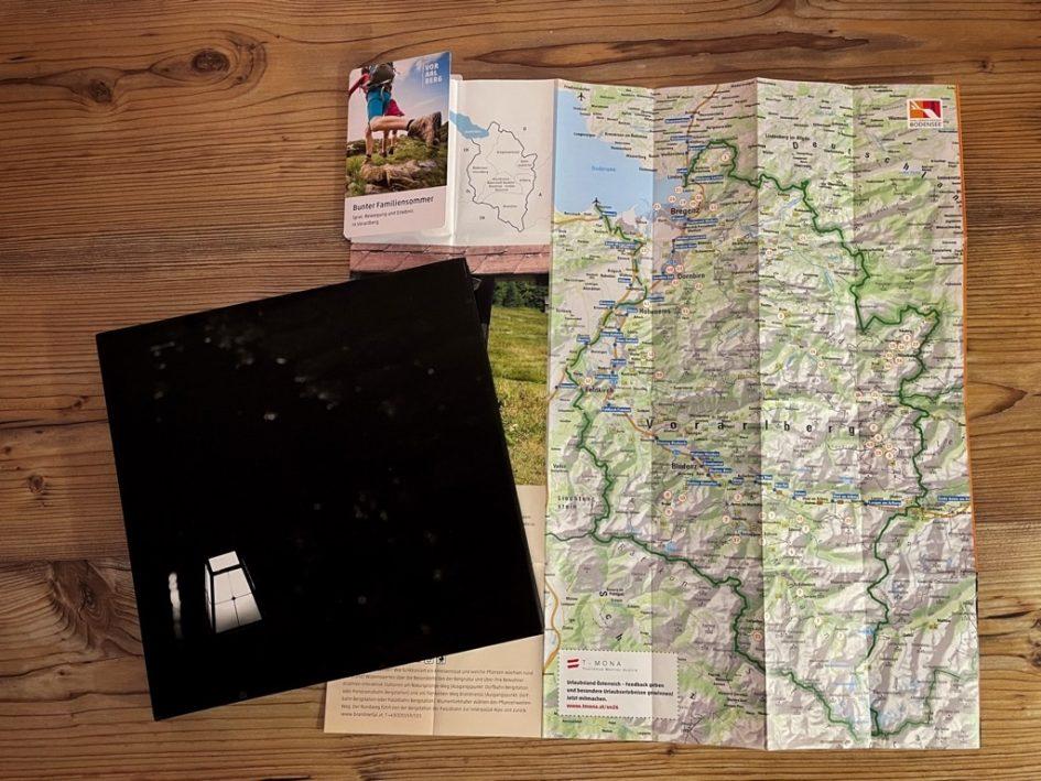 Titel - z'fealdkirch . behind the postcard - Mark Lins