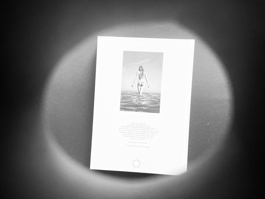 Rückseite - along comes mary - Herbert Ahnen